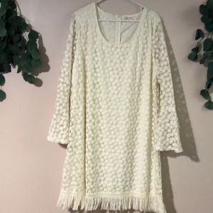 very pretty pinwheel/simple flower lace dress